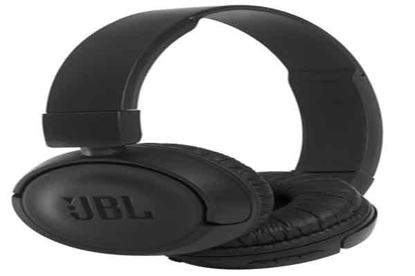 jbl koptelefoon. de jbl t450bt is een draadloze koptelefoon die u via bluetooth kunt verbinden met uw smart devices. als batterij volgeladen wel 11 uur lang jbl